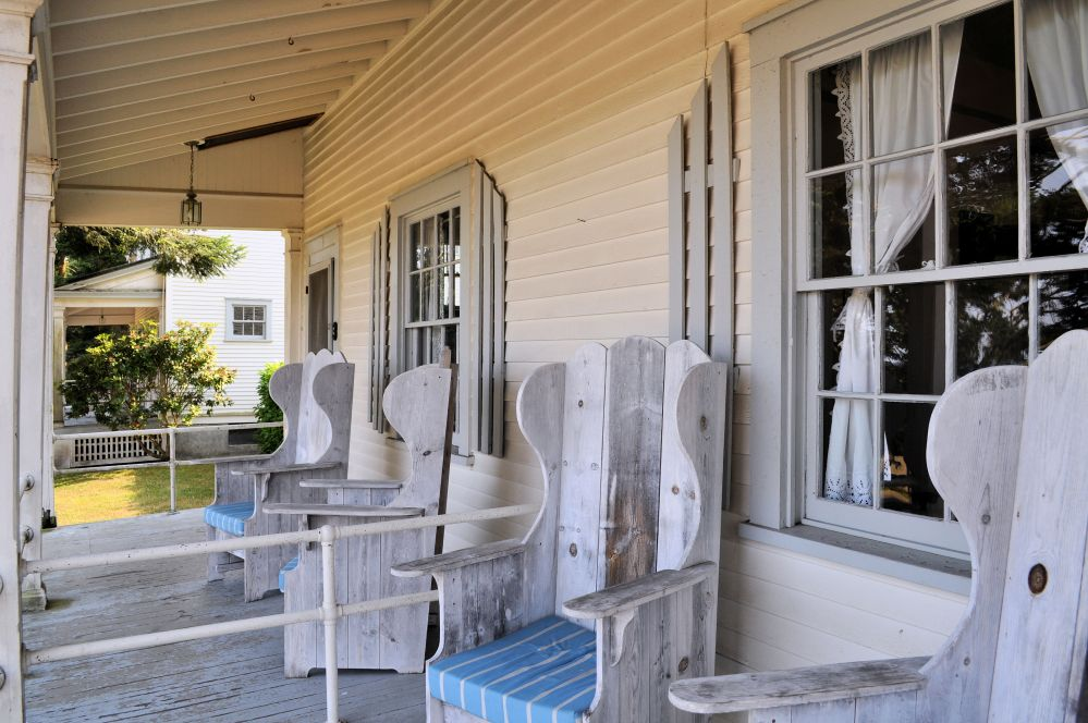 Junior officers shared porches