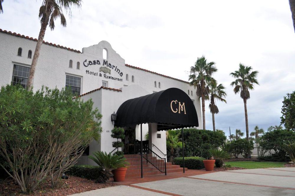 The Casa Marina Hotel & Restaurant entrance.
