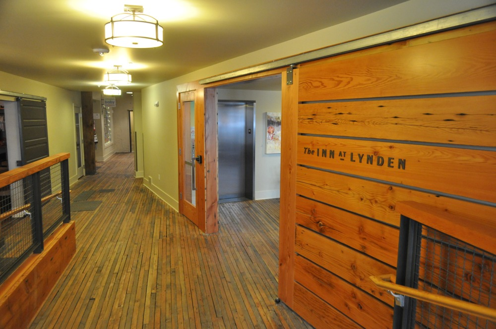 The Inn at Lynden inside doorway.